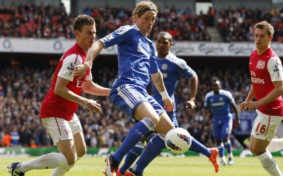EPL : Laurent Koscielny vs Fernando Torres (Arsenal vs Chelsea)