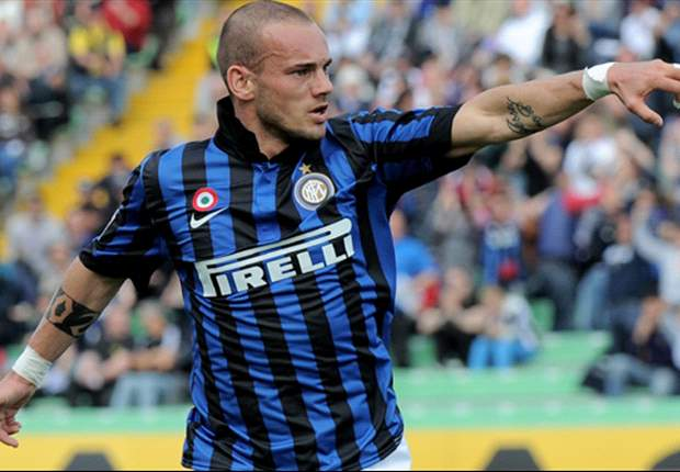 Sneijder offers himself to AC Milan