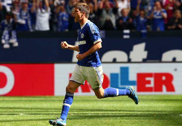 Huntelaar desperate to finish as Bundesliga's top scorer