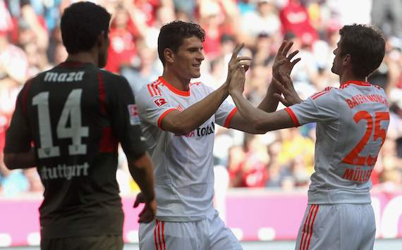 Bundesliga: FC Bayern Mnchen - VfB Stuttgart, Mario Gomez &amp; Thomas Mller - Maza