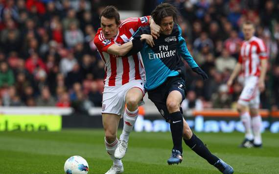EPL - Stoke City vs Arsenal, Dean Whitehead & Tomas Rosicky