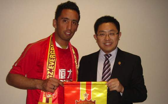 Lucas Barrios in China angekommen