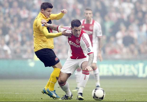 Ajax midfielder Janssen in talks with Vitesse - report