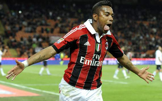 Re-signing Robinho still a distant dream, admits Santos president