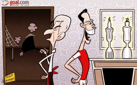 Van Persie Celebrates But Arsenal Trophy Cabinet Remains Empty