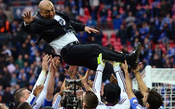 Liverpool v Chelsea - Roberto Di Matteo lifted by his players