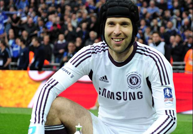 Chelsea need balance between youth and experience - Cech