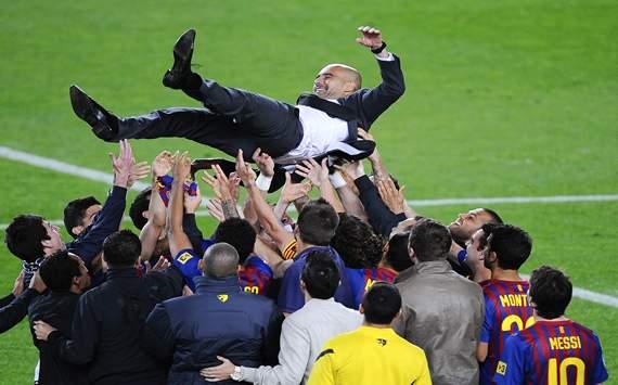 Pep Guardiola celebrando con el Barcelona