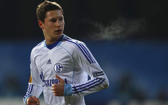 Schalke's teen sensation Draxler finishes high school