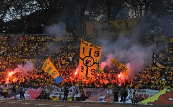 Ultras, fans Gresik United (GOAL.com/Hamzah Arfah)