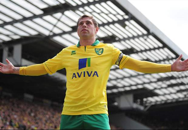 West Ham to step up Holt bid with improved £4.2m offer for wantaway Norwich striker