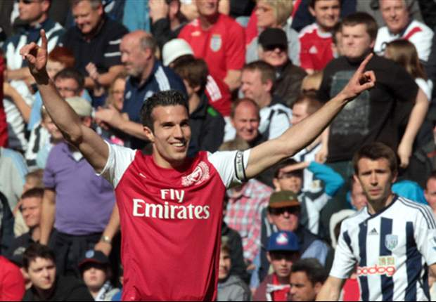 Campbell warns Arsenal it will take a 100m spree to stop Van Persie leaving