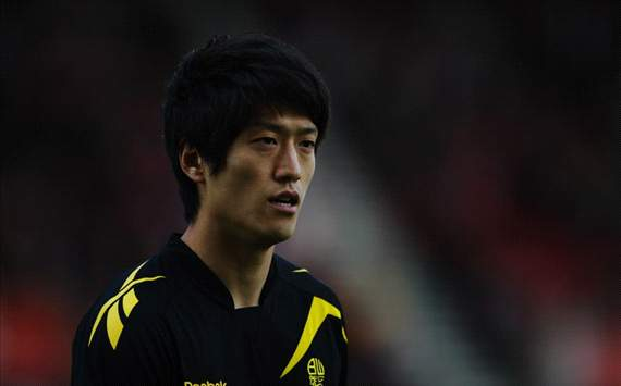 South Koreans abroad: Lee Chung-Yong puts late volley wide as Bolton are relegated
