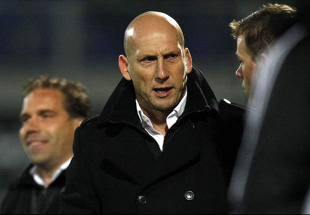 Former Manchester United defender Stam reveals desire to manage in England