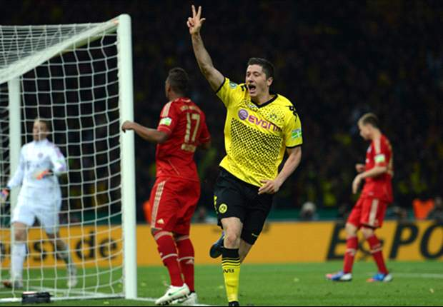 Premier League clubs must up their bids to land Lewandowski, admits agent