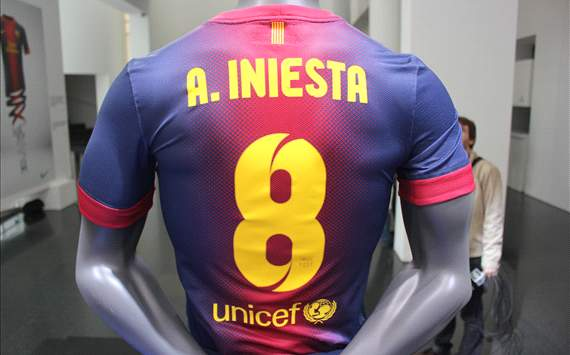 New kits Barcelona 2012-2013 08