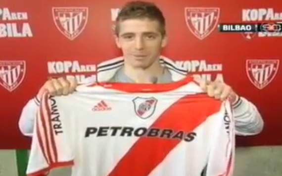 Iker Muniain se confiesa aficionado de River Plate en Argentina, y posa con su camiseta