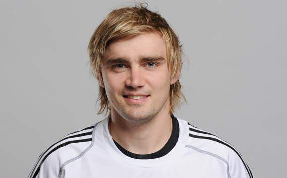 Dortmund's Schmelzer determined to grasp Germany opportunity