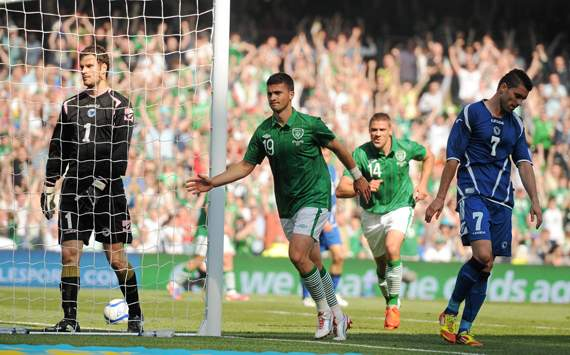 Long hopes victory over Bosnia will put Ireland on a roll