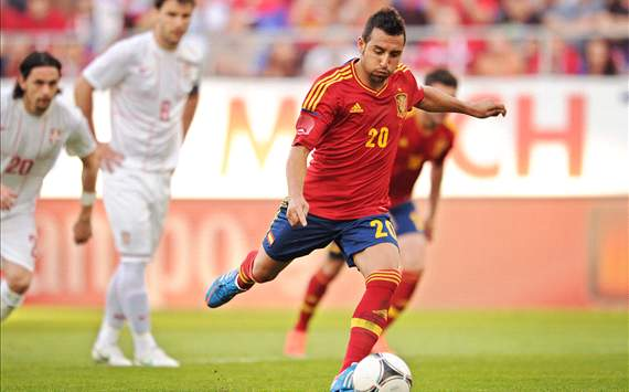 Arsenal to overcome late hitch to seal €22.8m Cazorla deal this week