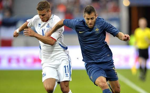 Menez urges France fans to get behind their team