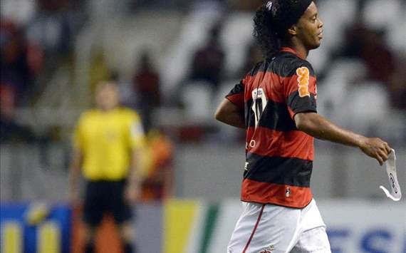 Ronaldinho doesn't do a f*****g thing, says Flamengo vice-president