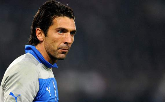 Buffon's injury in not serious, says Italy doctor