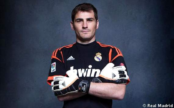 Casillas: Mourinho and Del Bosque are opposite characters