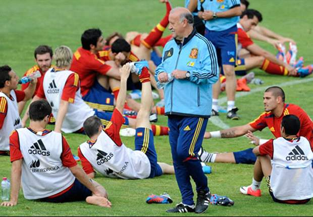 Del Bosque challenges Spain to make history