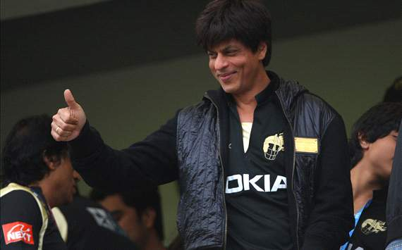 SRK plans to promote football in India