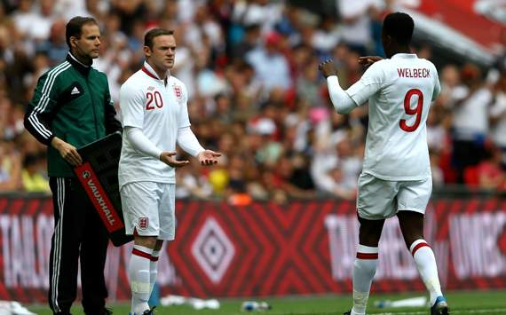 Welbeck: 'I owe Rooney a lot, he is a brilliant help to me'