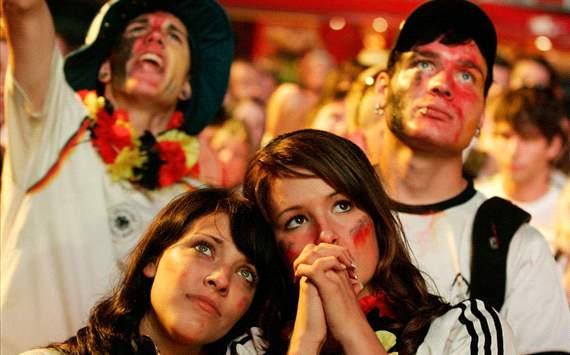بالصور | وجوه ستُحطم قلوب النساء في يورو 2012
