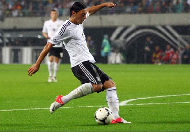 Ozil: Low's changes against Greece benefited me