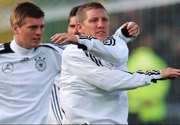 Germany to bench Schweinsteiger for Netherlands clash - report