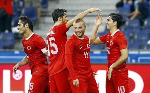 Turkey players celebrating a goal