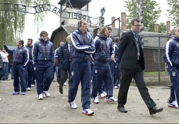 In Pictures: Italy players moved to tears during Auschwitz visit 