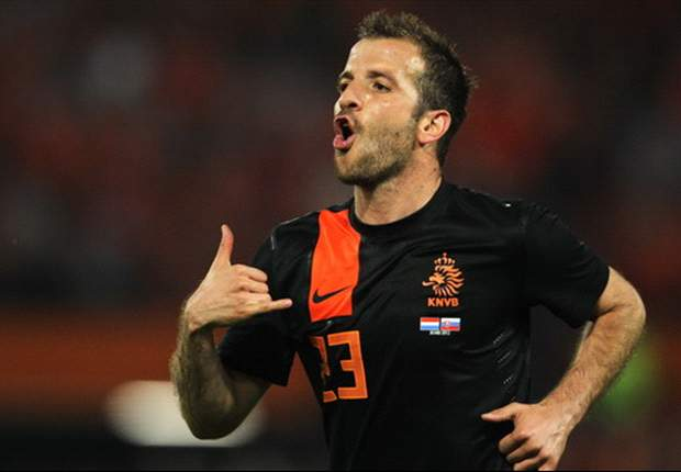 We cannot afford a move for Tottenham midfielder Van der Vaart, says Hamburg chairman