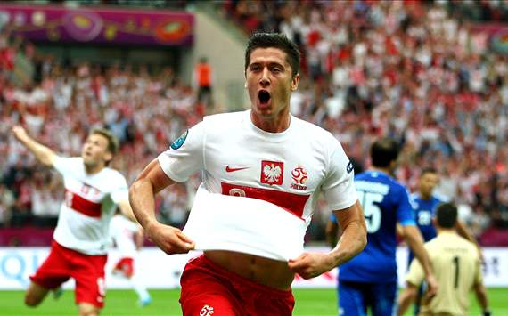 Lewandowski (Poland v Greece)