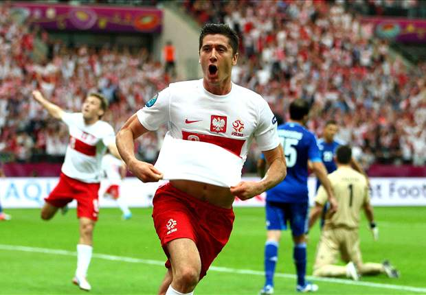 Lewandowski coy on Manchester United rumors