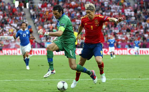 TEAM NEWS: Torres replaces Fabregas for Spain clash with Ireland