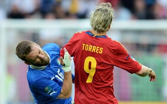 UEFA EUR - Spain v Italy, Fernando Torres and Daniele De Rossi