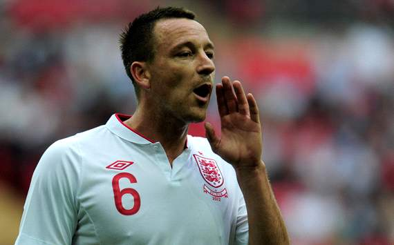Hodgson confirms Terry &amp; Rio Ferdinand still have England future 'as long as they don't suffer enormous bans'