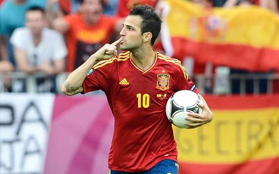 Fabregas: It's nonsense to compare me to Messi, the greatest player in history