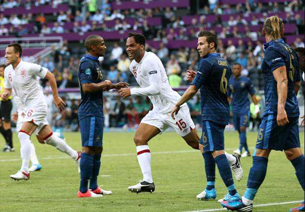 Evra: England played like Chelsea against Barcelona