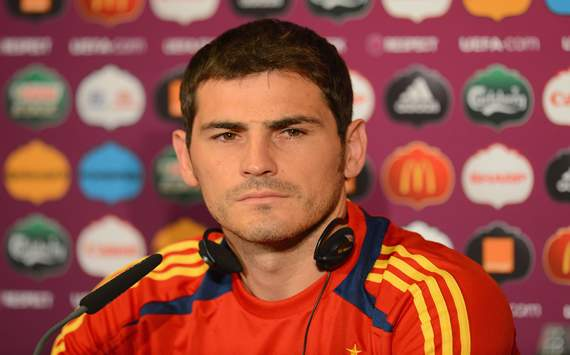 Casillas blames nerves as Spain struggle to overcome Croatia