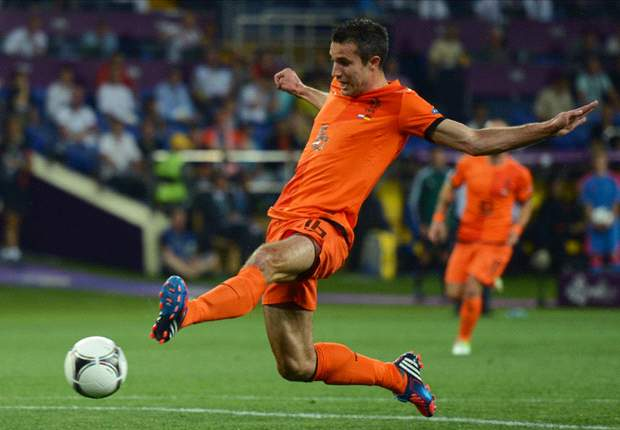 Van Persie & Van der Vaart among six Premier League stars in Netherlands squad