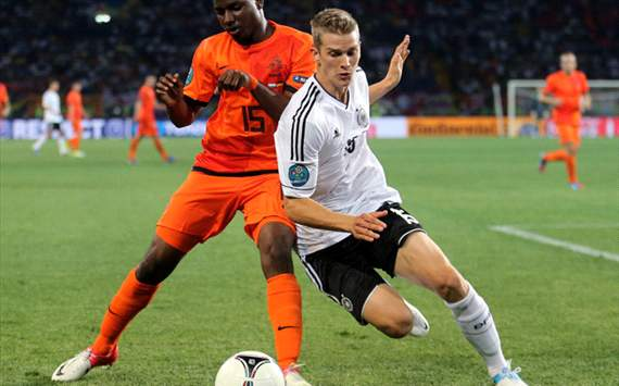 I would be happy to play right-back for Germany, says Lars Bender