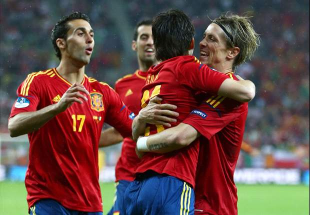 Germany favourites for Euro 2012 ahead of the quarter-finals but Spain are still the team to beat