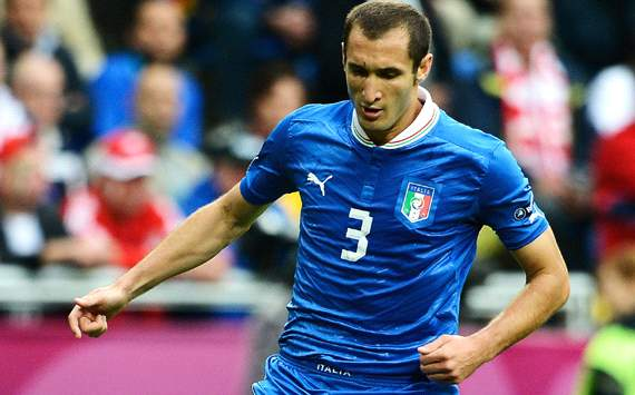 Chiellini limps out of Italy-Ireland clash with injury