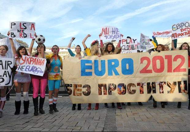 Euro 2012 final protests prompt Femen activists' arrests